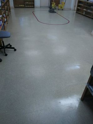 Daycare Strip & Wax (Before) in Columbia, SC (1)