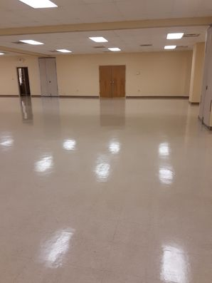Before & After Floor Stripping & Waxing in Cayce, SC (2)