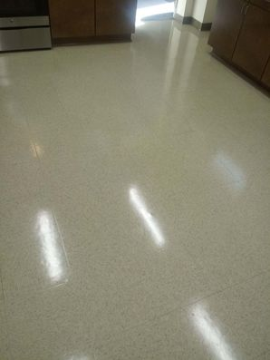 Floor Stripping and Waxing in Lexington, SC (4)